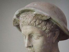 """Le """"Rovine"""" di Gabriele Tinti, poesie per statuaria classica"""