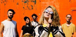 Il prossimo 12 aprile uscirà il primo album della band toscana pijamaparty, un caleidoscopio di suoni, colori e immagini che puntano dritti agli anni '90.