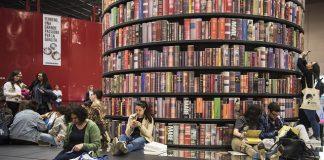 Al Salone del Libro torna la censura, altro che democrazia..