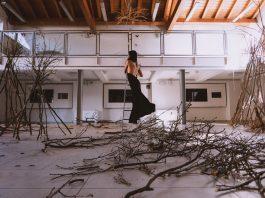 Giulia Gasparini, arte per distruggere con gentilezza