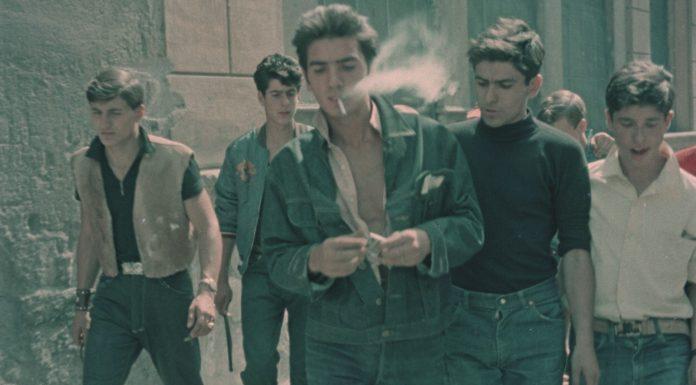"""""""Bulli e pupe"""" di Steve Della Casa e Chiara Ronchini, fra scene di film d'epoca e interviste inedite racconta l'Italia che ce l'ha fatta"""