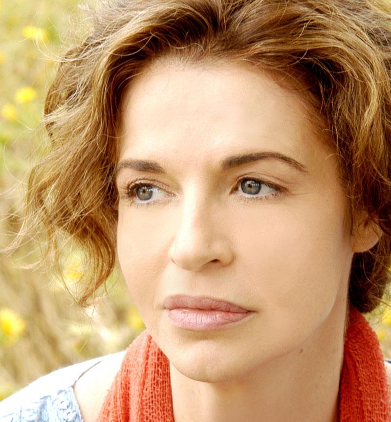2004: ANNA GALIENA © ASSUNTA SERVELLO / GRAZIANERI