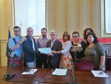 Sala Brigida di Palazzo Marino conferenza stampa per la consegna delle firme raccolte dall'UNAVI (Unione Nazionale Vittime di reati violenti)