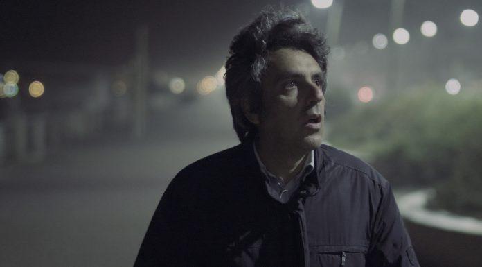 """""""Mistero di un impiegato"""", viaggio tra visioni oniriche e VHS"""