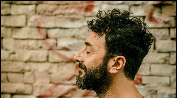 Luca Carocci, musica e parole per non perdere l'identità