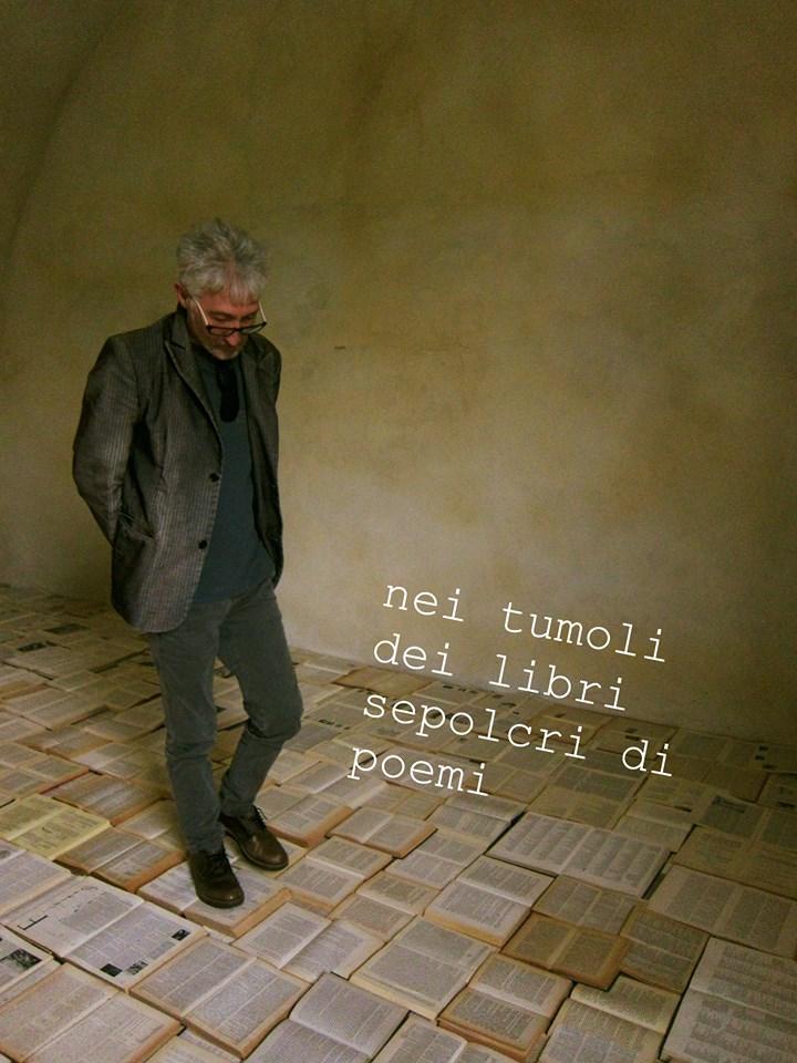 """Il linguaggio nudo"""" di """"Massimo Arrigoni: """"""""sezionare"""" in senso chirurgico il corpo poetico che va letteralmente """"fatto a pezzi""""."""