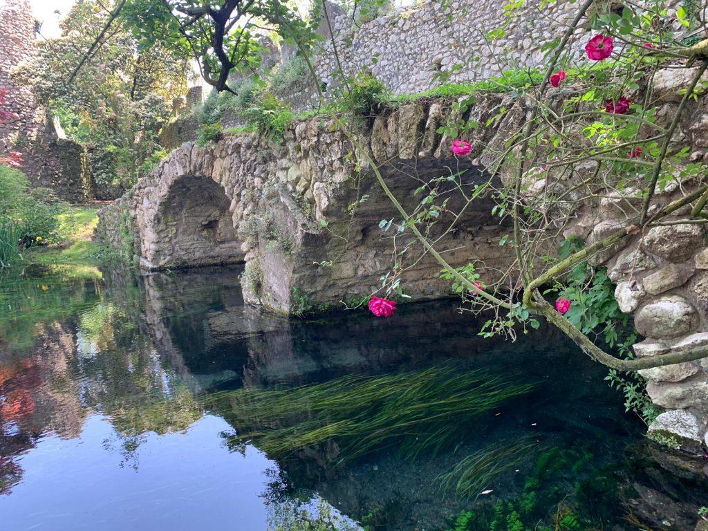 SanteVisioni: Ninfa, il Giardino più bello del mondo