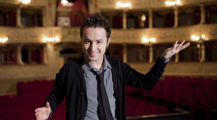 Matteo Macchioni. Il tenore italiano, acclamato dal pubblico e dalla critica, sfornato dal talent di Maria De Filippi