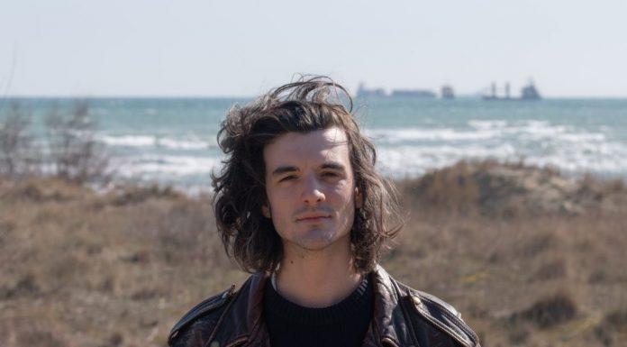 Berlino Est, singolo d'esordio del giovane cantautore milanese Francesco Sacco, uscito lo scorso 3 aprile